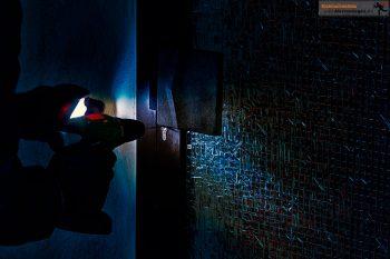 Einbrecher bohr Türschloss auf