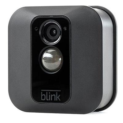 berwachungskamera blink xt im vergleich zur arlo pro 2. Black Bedroom Furniture Sets. Home Design Ideas
