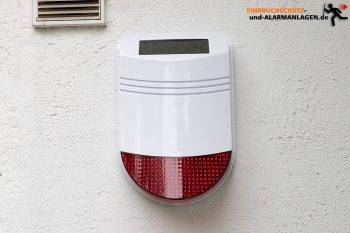 Safe2Home-SP110-Test-Solar-Sirene-aussenwand2