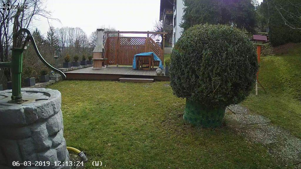 EZVIZ-Ueberwachungskamera-CTQ3W-C3W-ezGuard-Tageslicht-Terasse