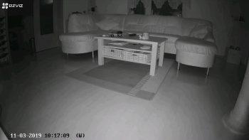EZVIZ-Ueberwachungskamera-CTQ3W-C3W-innenaufnahme-Dunkel