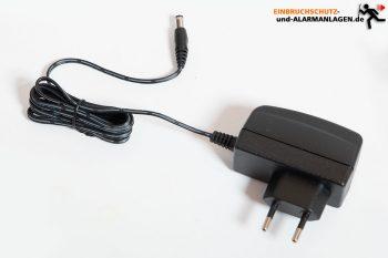 Test-EZVIZ-Ueberwachungskamera-CTQ3W-Netzteil