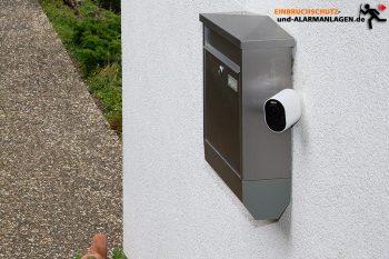 Arlo-Ultra-Test-4k-Ueberwachungskamera-Montage-Briefkasten