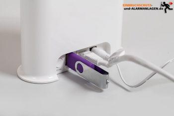 Arlo-Pro-3-Testbericht-USB-Stick-Smarthub