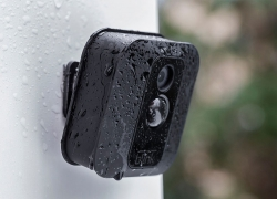 Blink XT: Günstige Outdoor-Cam im Vergleich mit Netgear Arlo Pro 2